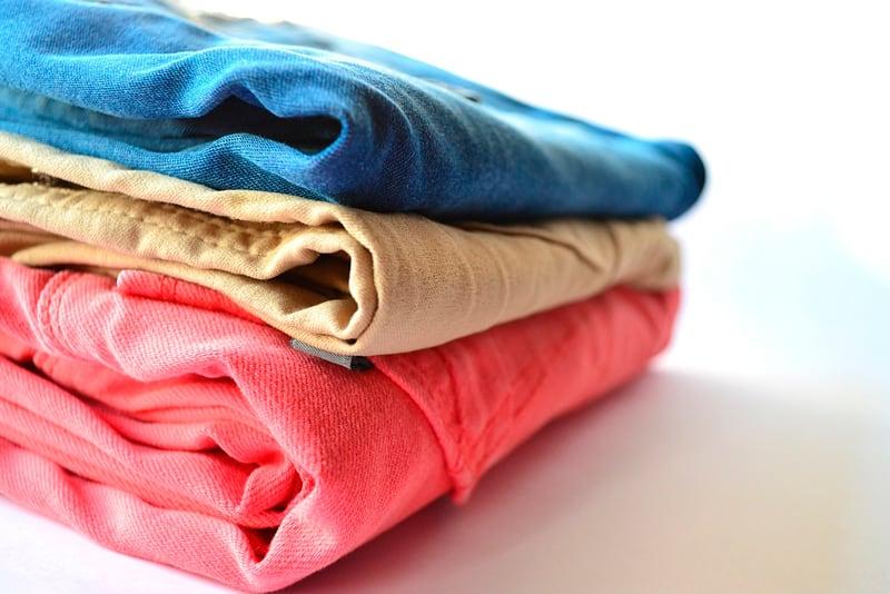 guardar ropa en el trastero
